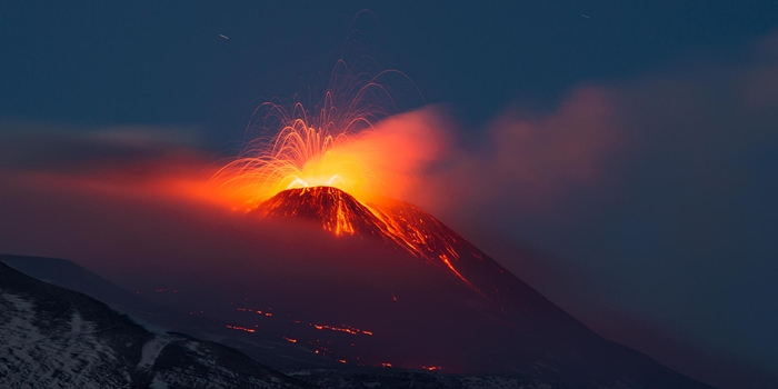 Etna, Sicily, Italy. 12th November 2013. Etna eruption Italy © AM Design/Alamy Live News