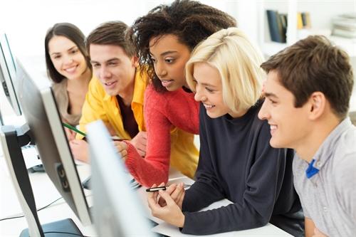 Linkedin suggerisce le aziende che offrono opportunità di lavoro nel 2016