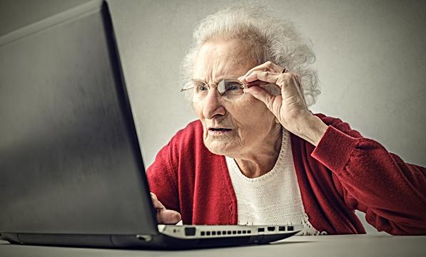 Negli anni 2000 anche gli anziani usano i social network